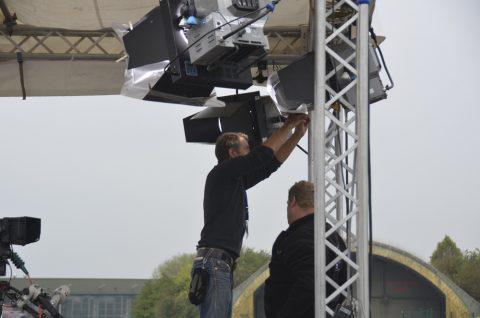 Der BR baut seine Bühne für die Live-Sendung auf!