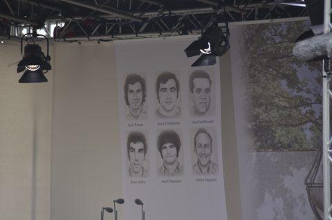 Man gedenkt nicht nur der toten Sportler, sondern auch der deutschen Polizisten, die ihr Leben lassen mussten.