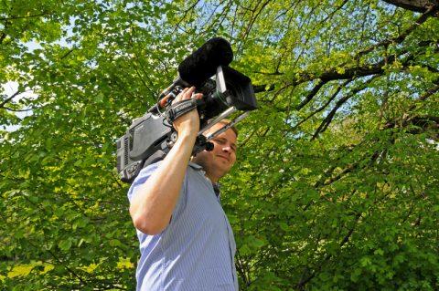 Kamera läuft! Immer vorne dabei - auf dem Roller allerdings - unsere Lauf10-Kamera!