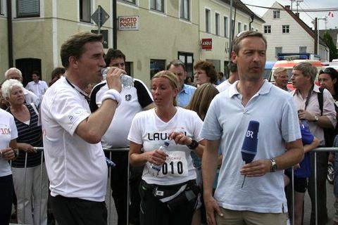 Wasser marsch: Schon jetzt ist klar - wir haben viel zu wenig getrunken - und viel zu viel herausgeschwitzt! Wenn das mal gutgeht...