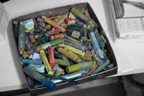 Kreide & Kohle: Der Kreide-Kasten von Max. Aus der Schachtel sind schon wunderbare Bilder entstanden.