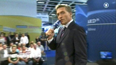 Bye bye! Stefan verabschiedet sich aus Berlin und übergibt den Fernsehschirm wieder an Hansi in München! Schön war's!