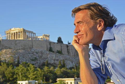 Sonnenbad. Oh ja, mit der Akropolis kriegen wir die Kamera-Speicherkarte ganz schnell voll. Sie sieht einfach in jedem Tageslicht gut aus...;-)