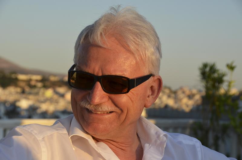 Unser ARD-Korrespondent <b>Bernhard Wabnitz</b> findet einen Moment Zeit, um - scheider_athen2011_-79