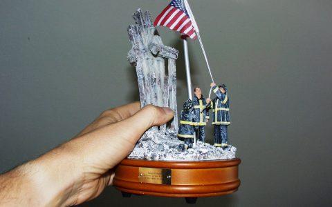 Merkwürdiges Souvenir von 9/11: Eine Spieluhr für 30 Dollar.