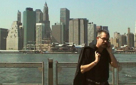 Sendung gut gelaufen - und morgen wieder das gleiche Spiel: Thomas begutachtet die nächste Position - eine Skyline-Plattform in Brooklyn!