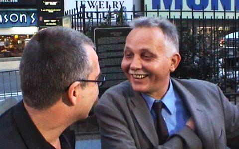 New-York-Korrespondent Gerald Baars stößt zu uns - einer unserer Talkgäste heute.