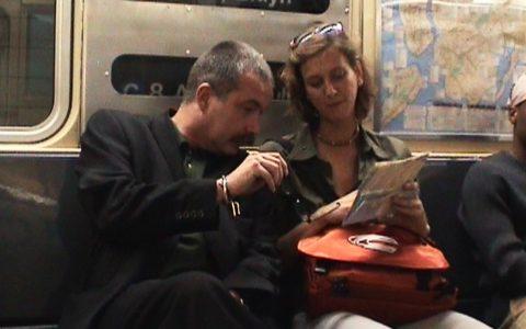 Thomas und Cordula auf dem U-Bahn-Weg zur Fähre.