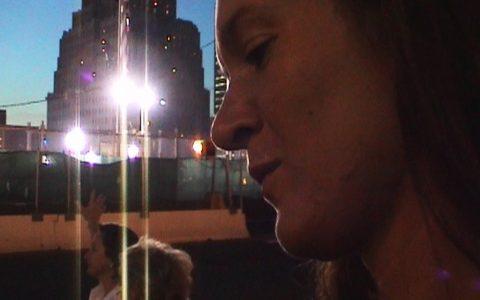 Eine nachdenkliche Carmen am Ground Zero.