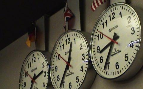 Wichtigstes Werkzeug in einem ARD-Auslandsstudio: Alle Uhrzeiten im Blick!
