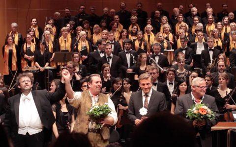 Schluss-Applaus: Alle nochmal verneigen - Mark Mast, Andreas Griebel, Stefan Scheider und Konstantin Wecker.