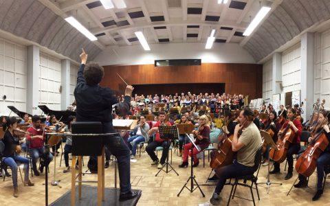 Wenige Tage vorher: Das Orchester probt Weckers Carmina Bavariae!