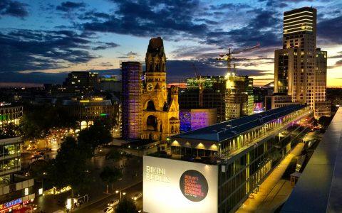 Nächtlicher Blick auf Berlin von unserer Abschluss-Location!