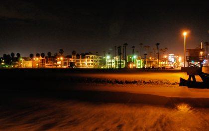 """Venice Beach nach Sonnenuntergang. Wohlfühl-Brise mit Schmeichel-Luft - für Scheider auch eine Art """"Dahoam""""..."""
