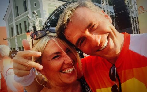 Schönes Wiedersehen: Auch Doris, meine Laufpartnerin 2014, reist nach Wolnzach und schlägt sich wacker in der Hitze!