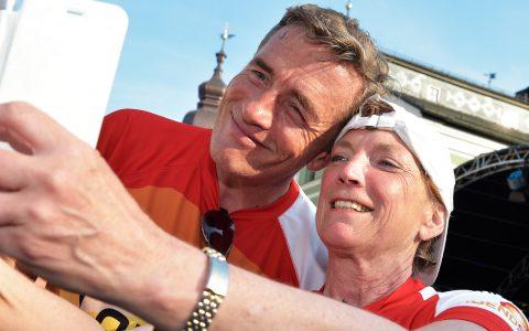 Noch schnell ein Selfie zwischen Erstläuferin und Laufpate!