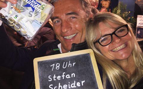 Sternstunden-Chefin Sabine Krombolz freut sich jedes Jahr über viel Geld für die Kinder.