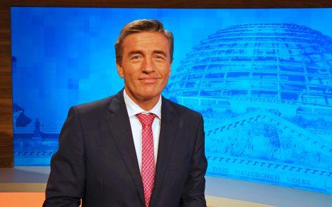 Die Bundestagswahl steht an: Erste kleine Augenringe machen sich bemerkbar nach der Live-Schlacht im Landtag...;-)