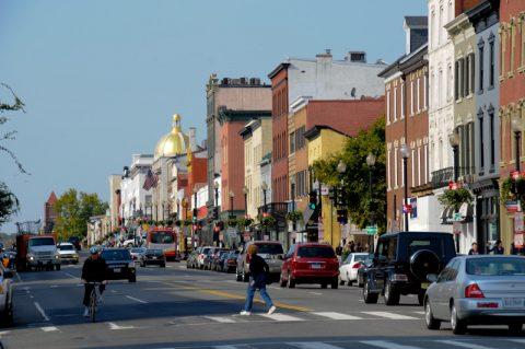 Die Straße mit dem ARD-Studio: Das hübsche Georgetown.