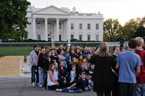 Klassenfoto vor dem Weißen Haus.