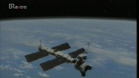 Die ISS zieht ihre Kreise - gleich ruft jemand an...