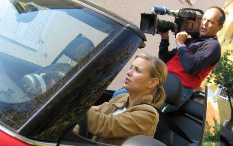 Kurz vorher noch eine kleine Fahr-Szene: Romy mit Kameramann Stephan im Nacken.