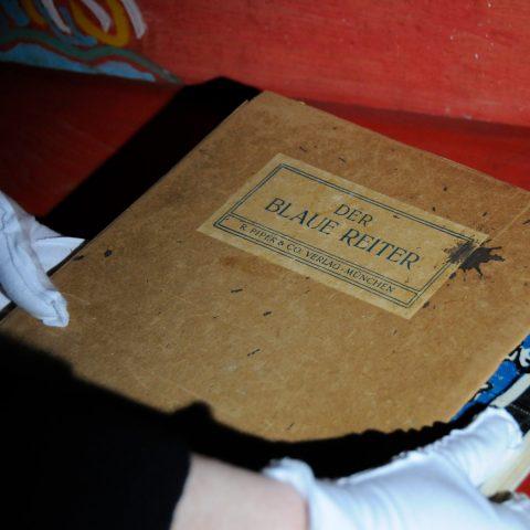 Original-Ausgabe des Blauen Reiters - einer Vorreiter-Schrift von Marc und Kandinsky!