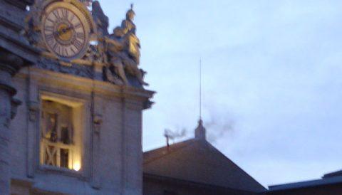 Weiß? Grau? Schwarz? Rauchzeichen aus der sixtinischen Kapelle!