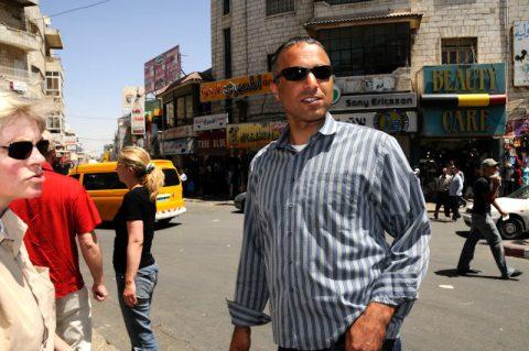 Und jetzt? Producer Mohammed führt uns durch das brummende Ramallah.