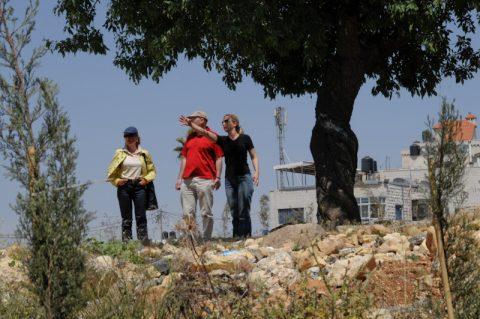 Aussicht: Das Mima-Team sucht den besten Platz für die Live-Übertragung aus Ramallah.