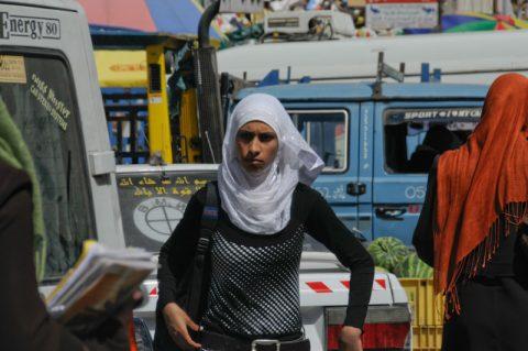 """Berührungspunkte: Viele Palästinenser sprechen uns in Ramallah an - und recken lächelnd den Daumen hoch, als wir """"Germany"""" sagen."""