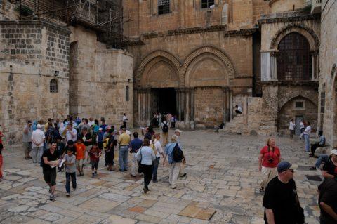 Grabeskirche: An dieser Stelle soll Jesus gekreuzigt und begraben worden sein. Der Urbau enstand um das Jahr 335.