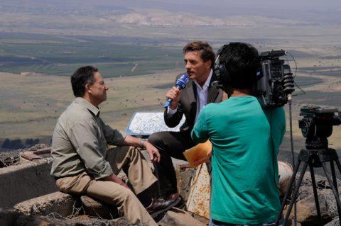 Interview: Er hat einst auf den Golanhöhen mitgekämpft - und berichtet uns heute - der Israeli Ron Ben-Ishai. Unser Gast lebt im Norden Israels – und hat sich einen Namen als Sicherheits- und Militär-Experte gemacht.
