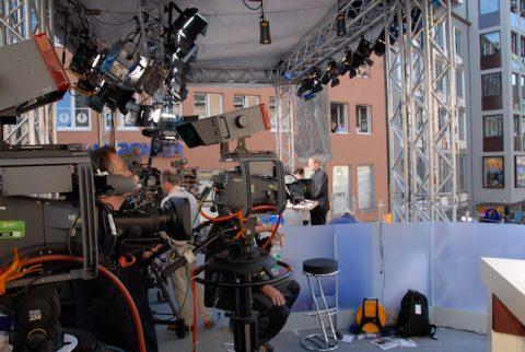 Alle Kameras sind auf IHN gerichtet: Unsere Plattform mit einer atemberaubenden Aussicht!