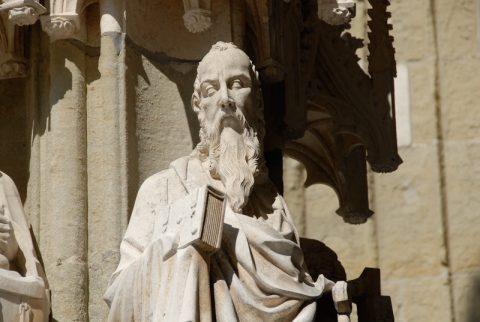 Gedankenlesen: Was mögen wohl die steinernen Heiligen am Regensburger Dom gerade denken?