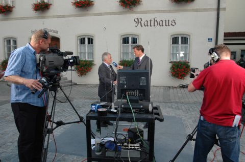 Fragen: Der Bürgermeister von Marktl steht Rede und Antwort - und freut sich auf den Papst.